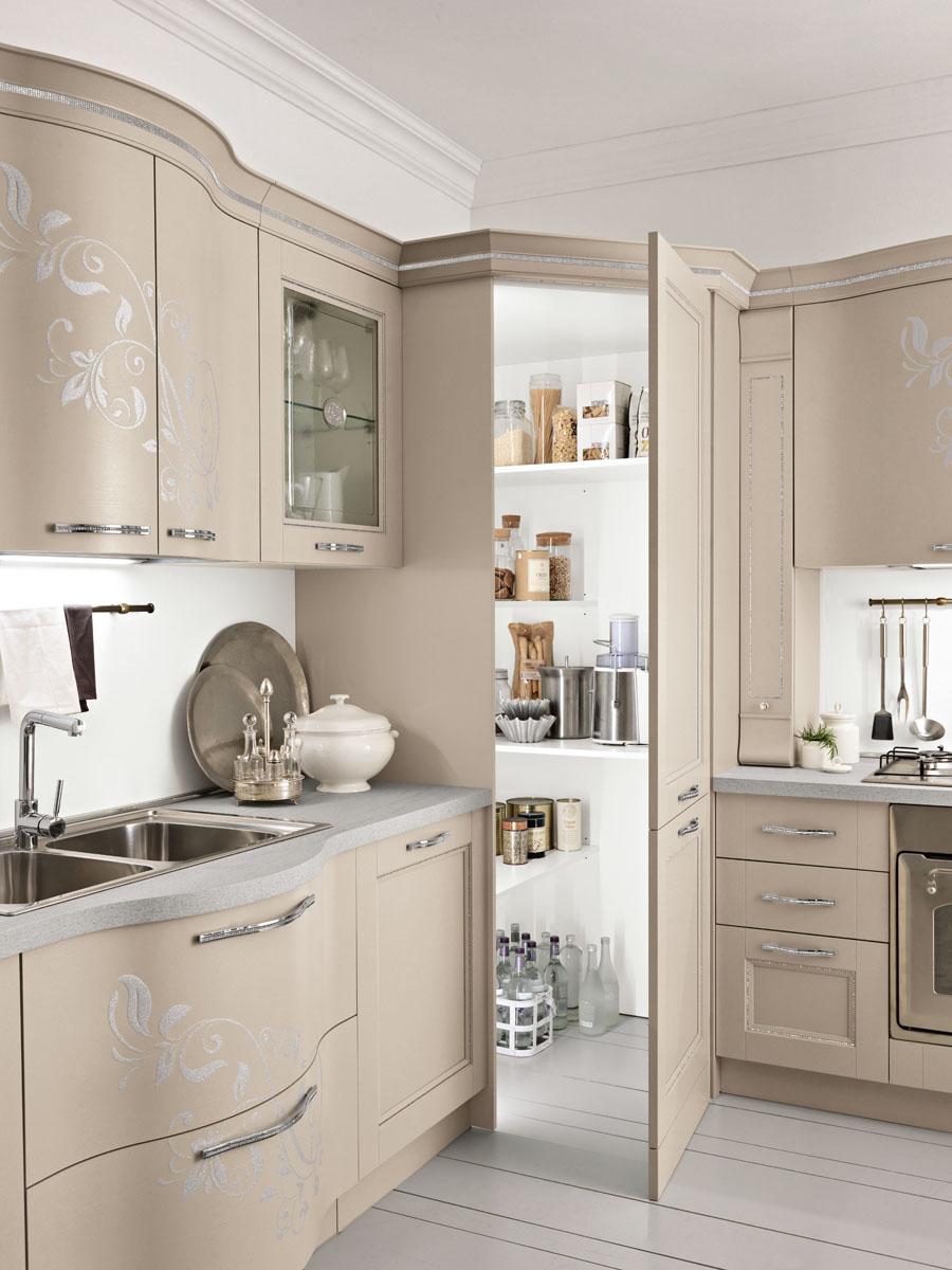 Cucina classica componibile cucina prestige spar - Cucine con angolo dispensa ...