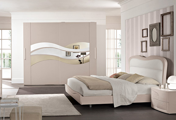 Camere da letto moderne e classiche spar - Camere da letto bianche classiche ...
