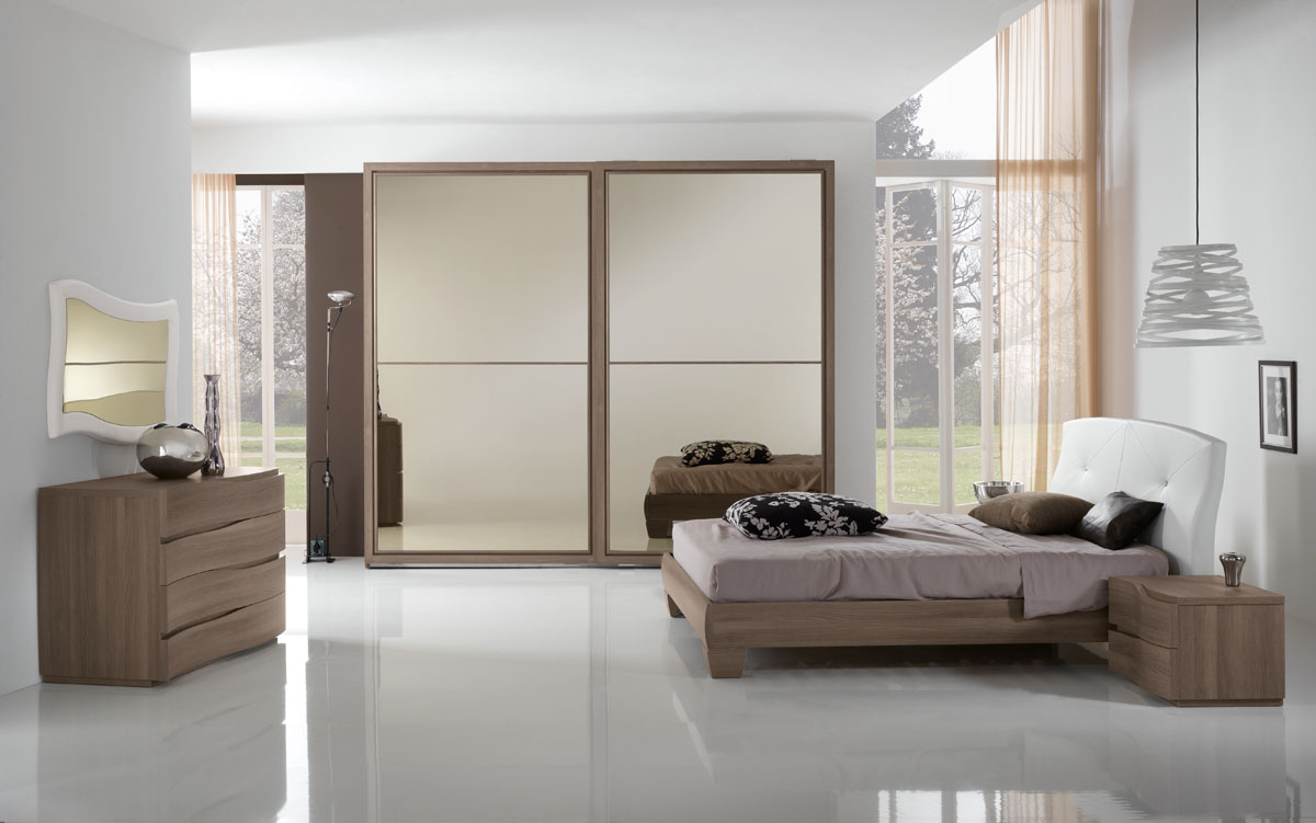 Arredamento camera da letto modello sistema notte spar - Camera da letto bianca moderna ...